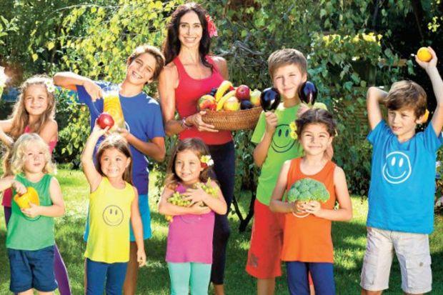 Sağlıklı beslenen çocuklar mutlu oluyor