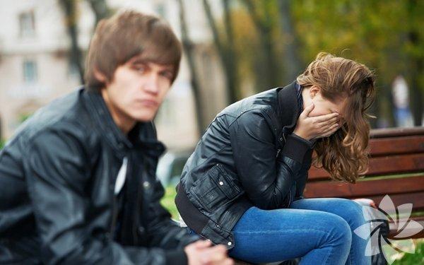 Romantik ilişkilerde, aşk, arkadaşlık, bağlılık olduğu gibi bir gün gelip ayrılığın yaşanması da olağandır. Hemen herkesin hayatında ayrılıkla biten bir ilişki olmuştur. Ayrılık, haliyle sancılı bir süreçtir, bazen her şey kuralına uygun yürüse de, çoğunlukla tereddütler ve karmaşa yaşanır.