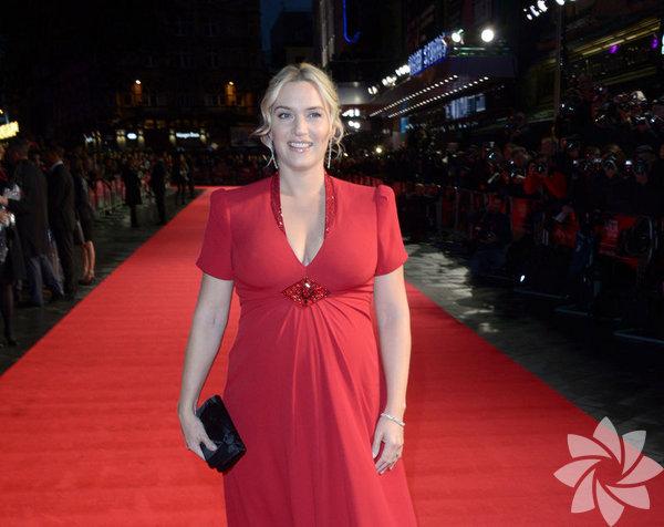 """İngiliz oyuncu Kate Winslet, 7 Aralık'ta dünyaya getirdiği üçüncü çocuğuna İngilizce'den Türkçe'ye çevrildiğinde """"ayı"""" anlamına gelen Bear adını koydu."""