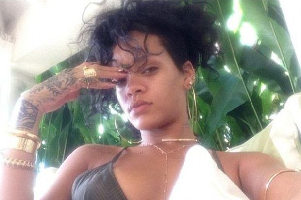 Rihanna evine döndü