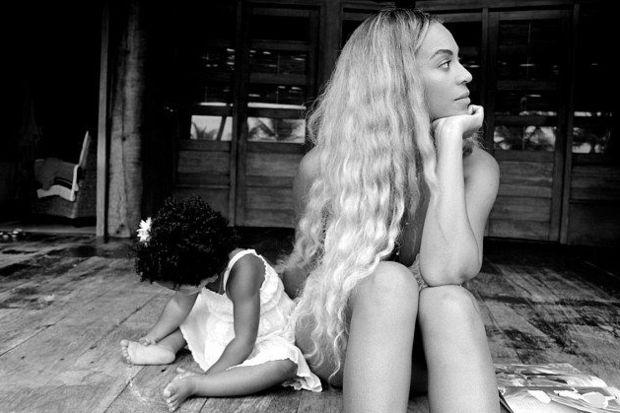 Beyonce kızıyla poz verdi