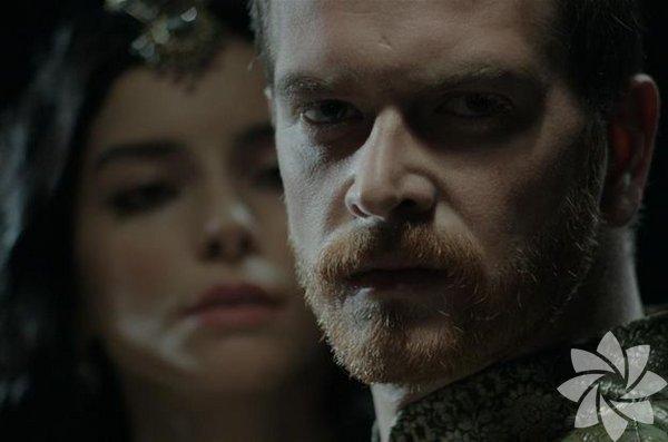 Hürrem Sultan, Kanuni Sultan Süleyman'dan sonra tahta kendi  oğullarından birinin oturmasını istiyordu. Yani Şehzade Selim ya da  Şehzade Bayezid'in…