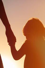 Kızınıza verebileceğiniz 9 güçlü kadın mesajı