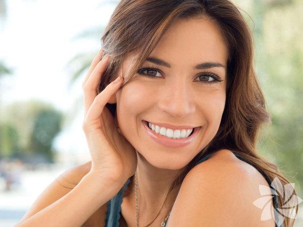 Sarı dişler, gülüşünüzün en büyük düşmanıdır. Diş beyazlatma ürünleri arasında en iyisini bulmak da zor olabilir.