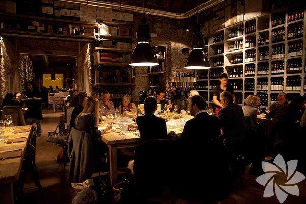 Hep aynı restoranlara gitmekten sıkıldıysanız, farklı lezzetler, farklı  yerler denemek istiyorsanız, bu mekanları deneyin! Türkiye'nin ilk ve  tekyeme-içme kulübü GastroClub sizin için İstanbul'un denemeniz gereken  7 yeni lezzetini seçti.