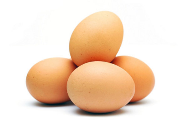 Yumurta: Doğanın en kusursuz yiyeceği olarak  tanımlanıyor. Protein bakımından zengin ama kalorisi düşük. Beyni korur  ve göz sağlığını güçlendirir.