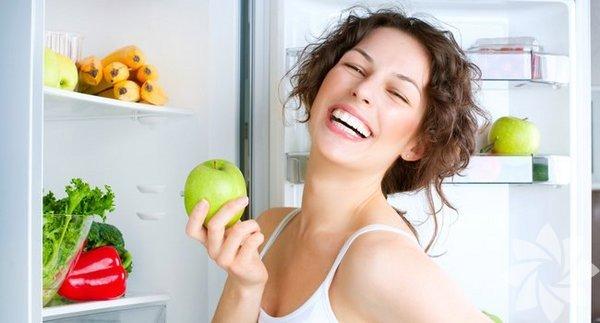 Evinizde dışarıdan yemek söylemediğiniz sürece yiyecekleri tükettiğiniz tek yer buzdolabınız. Buzdolabınızın içerisindeki yiyecekler ne kadar sağlıklı olursa tükettiğiniz yiyecekler de bir o kadar fayda sağlar. Bu sebeple aşağıdaki besleyici aperatifleri sürekli buzdolabınızda bulundurmanız sağlığınız için oldukça yararlı olacaktır.