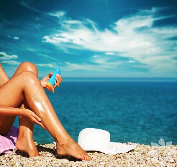1- Bacaklarınızın önüne ve arkasına vücut yağı sürün. Bacaklarınız bu sayede daha uzun görünecek.