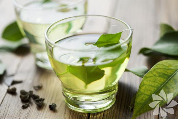 Yeşil çay: Günde 2-3 kupa içilmeli.