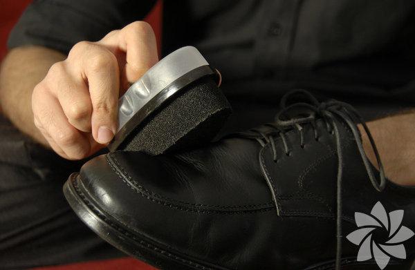 Ayakkabı boyası: Cilde teması halinde zararlı etkileri oluyor. Sprey olanlar yerine süngerli boyalar tercih edilsin.