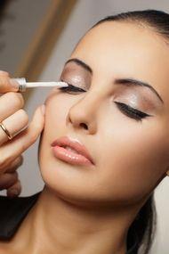 Yüz şekline göre makyaj nasıl yapılır?