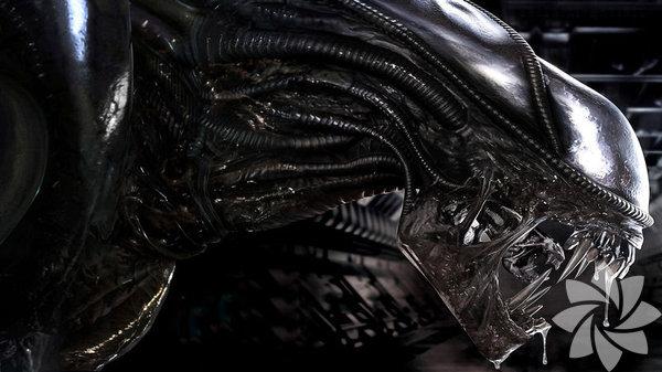 """Alien (Yaratık) 1979 Yönetmen: Ridley Scott - ABD / İngiltere  Dünyadan ışık yılları kadar uzaktaki bir uzay ticaret gemisinde, bir insanın karnını deşerek fırlayıp çıktığında fare boyutunda bir varlıktır. Mürettebat gemide """"fare"""" ararken devasa, vahşi ve zeki bir canavarla karşılaşır. Sinema tarihinin bu en korkunç canavarı, """"final maçı""""nı genç ve güzel bir kadınla oynar. Vahşi kapitalizmin uzaya çıkınca yapacaklarından endişe duyan, karanlık ve karamsar bir gerilim. Gerçek bir başyapıt.  Nereden geliyor? Başka bir gezegenden. Amacı ne? Gemiyi ele geçirmek ve yaşamak."""