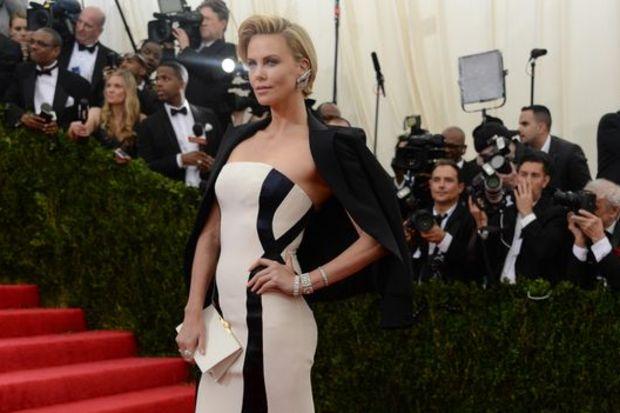 Charlize Theron: 'Özel hayatımın haber olması tecavüz'
