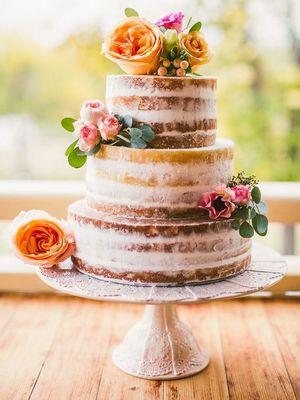 Yaz düğünü için pastalar