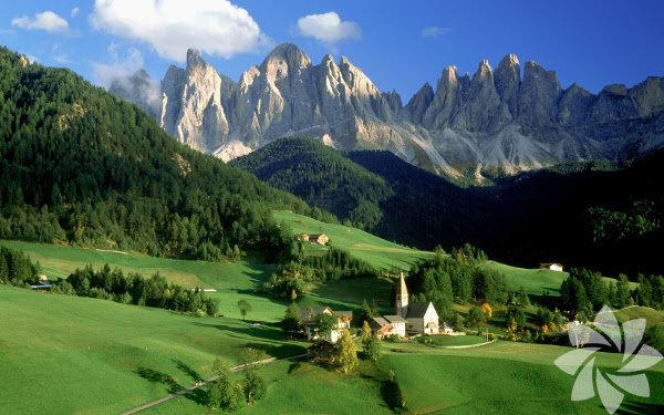 Tatilde yurt dışına çıkmak isteyen, ancak vize beklemek istemeyenler için vizesiz gidilebilen ülkeler... Andorra: Umuma Mahsus Pasaport sahipleri 90 gün süreyle vizeden muaf.