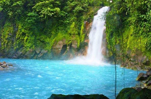 Vizesiz tatil cenneti Kosta Rika...