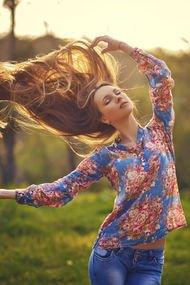 Saçlara doğal şekil verme yöntemleri