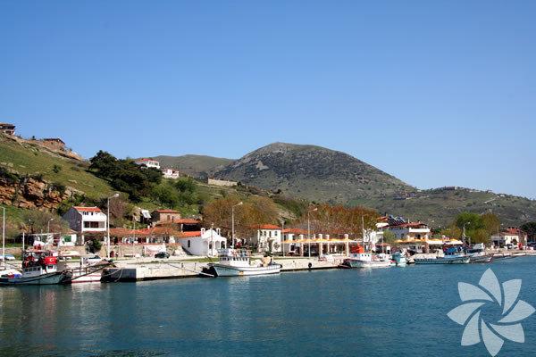Gökçeada , Çanakkale'nin bir ilçesi ve Türkiye'nin en büyük adası.