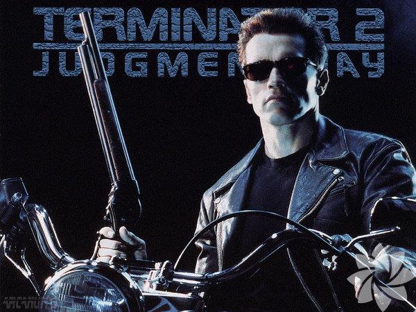 Terminator 2: Mahşer Günü 1991  Terminator 2: Judgement Day 1991  Yön: James Cameron Bilgisayarlar, makineler iktidarda ve gelecek tümüyle karanlıkta geçen bir filme benziyor. Ama insanlar özgürlük mücadelesi veriyor, zaman makinesiyle geçmişe robot gönderip her şeyi en baştan çözmeye çalışıyorlar. Umut var mı? Makineler bile duygusallaşıyorsa neden olmasın...
