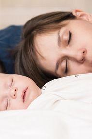 Yeni anne babanın derdi: Uyku