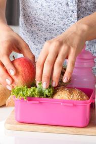 Çocuklardaki çürüklerin sebebi beslenme çantası