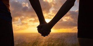 Sağlıklı ilişkisi olan çiftlerin 15 alışkanlığı