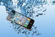 Suya düşen cep telefonu nasıl kurtarılır?