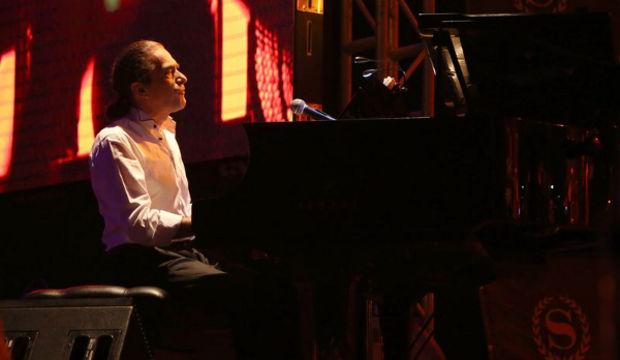Fahir Atakoğlu: Müzik için tezgahtarlık yaptım