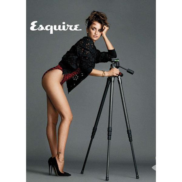 İspanyol sinemasının en ünlü yıldızı Penelope Cruz, Esquire Dergisi'nin geleneksel yılın en seksi kadını yarışmasında bu yıl ipi göğüsleyen isim oldu.