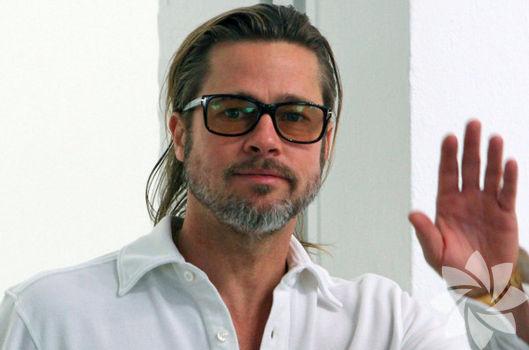 Brad Pitt: Oğlumu sete getirdim
