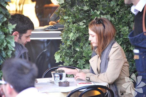 Keremcem ve Ezgi Asaroğlu aşklarını itiraf ettiler.