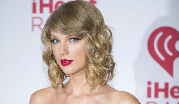 Taylor Swift hayranlarını evine topladı