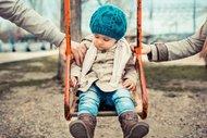 Korumacı ebeveynlerin çocukları özgüvensiz!
