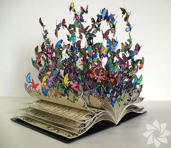 Eski ve ağır kitapların gizemli ve bilgece göründükleri yadsınamaz bir gerçek.