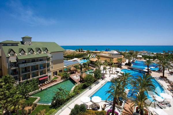 Antalya – Belek: Alva Donna Exclusive Hotel & Spa  Yazı da kışı da ayrı güzel olan Antalya balayı çiftleri için Şubat ayında da iyi bir alternatif...