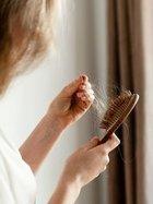 Saçlarınızın dökülmesini sarımsakla durdurun