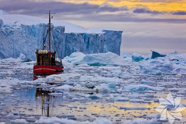 Grönland, Danimarka'ya bağlı özerk bölge.