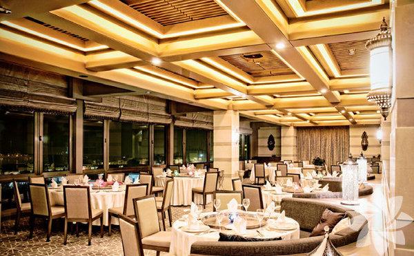 Aşka yakışan lezzetler  Yılın en romantik günü 14 Şubat'ı özel bir yemek ve canlı müzikle geçirmek isteyenlere özel bir mönü. Lübnan ve Antakya mutfağının en güzel örneklerini deneyebileceğiniz, muhteşem Boğaz manzarasına sahip, Lübnan restoranı Al Bushra Sevgililer Günü'nde birbirinden lezzetli seçeneklerle sizi bekliyor.