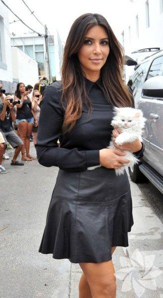 Kylie Jenner anne oldu