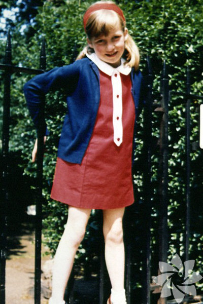 Lady Diana Spencer 1961 de Norfolk, İngiltere'de doğdu