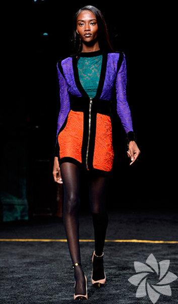 Moda dünyasının tanınmış simalarını buluşturan defilede, Kendall Jenner, Karlie Kloss, Alessandra Ambrosio, Jourdan Dunn ve Adriana Lima gibi süpermodeller büyük ilgi gördü.