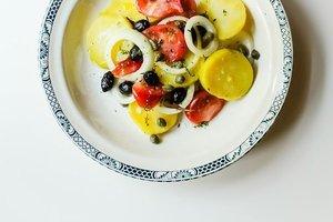 Domatesli patates salatası