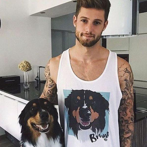 Instagram'da kısa zamanda popüler olan @hotdudeswithdogs hesabı, genç kızların sevdiği iki şeyi bir araya getirmeyi amaçlıyor: Yakışıklı erkekler ve sevimli köpekler...