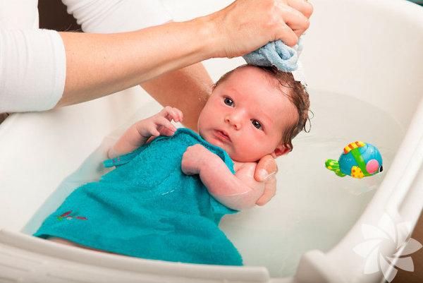 Üzerini örtmeyin - Ateş su ile söndürülür! Bu sorunda çocuğu serin tutmak, ılık banyo yaptırmak, bol su içirmek en etkili yöntemlerdendir.
