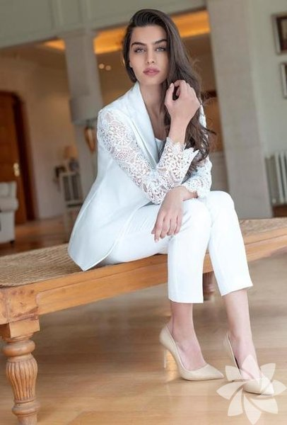 Amine Gülşe 1993'te doğdu.