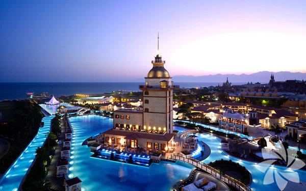 Dünyanın çeşitli ülkelerinden, mutlaka görmeniz ve yüzmeniz gereken havuzlar...  Mardan Palace, Antalya, Türkiye