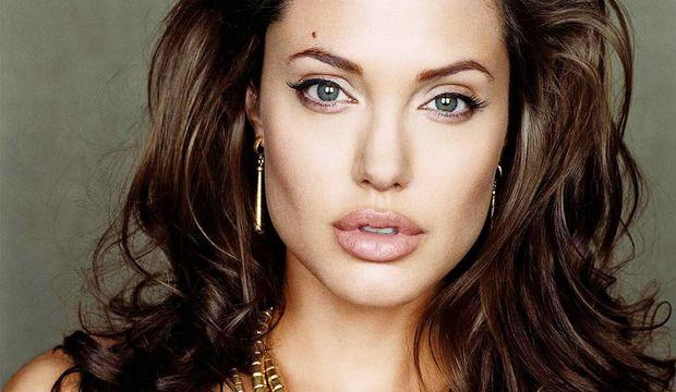 Angelina Jolie'nin yumurtalık ameliyatı sonrası mektubu