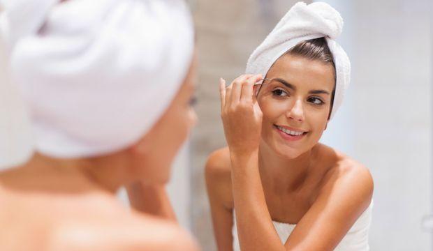 Kaşlarınızla ilgilenmenin 7 kolay yolu