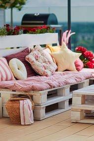 Eski paletler kullanışlı mobilyalara dönüşürse...