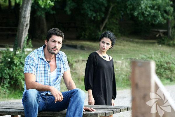 Pamir Pekin, 31 Mayıs 1979'da, İstanbul'da doğdu.
